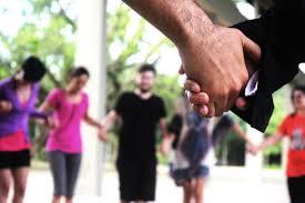 Grupos de Apoio com psicólogo